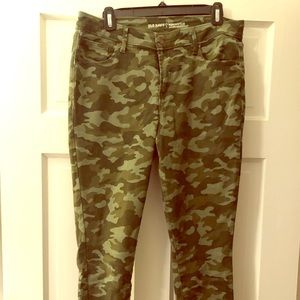 Old Navy Rockstar Camo Ankle Jeans